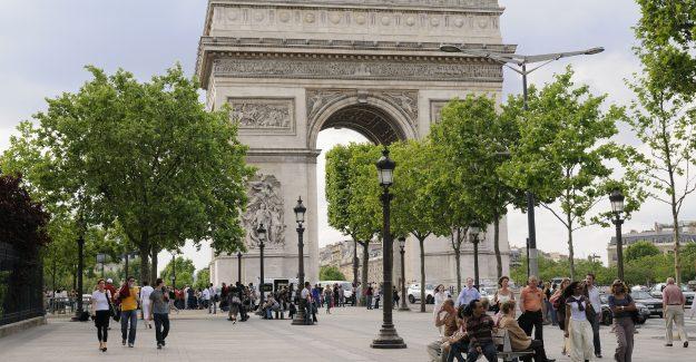 Arc de Triomphe from Champs-Elysées