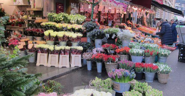 market rue Poncelet