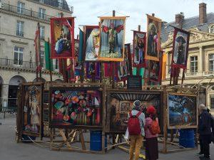 Modern Art vor dem Palais Royal