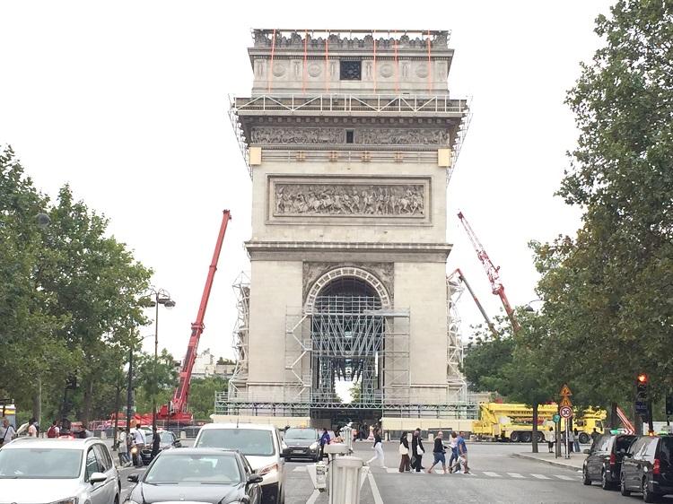 Arc de Triomphe - Gerüste für Christos Stoffplanen